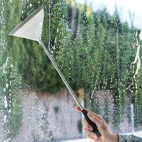 Stergator extensibil pentru geamuri